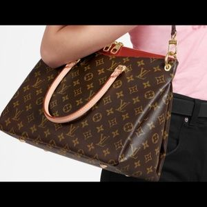 Louis Vuitton Pallas Tote MM